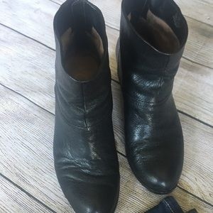 Sam Edelman black Larkin booties sz. 6.5